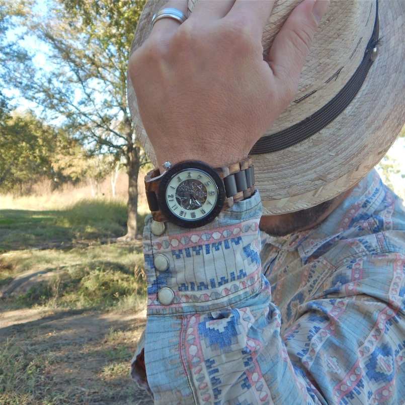 https://www.woodwatches.com/#mamacentric